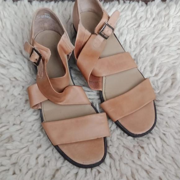 Munro leather sandals